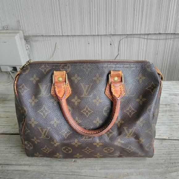 Louis Vuitton Handbags - Louis Vuitton Speedy a1d1a853272b5